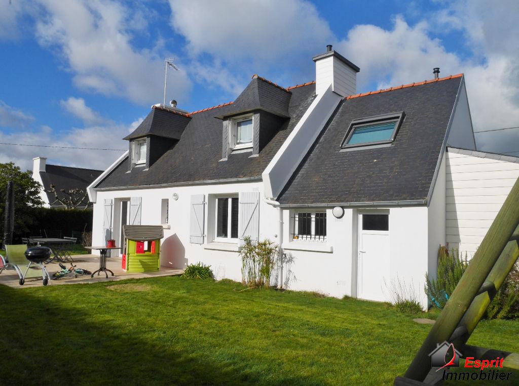Maison Melgven proche Concarneau. 210000€