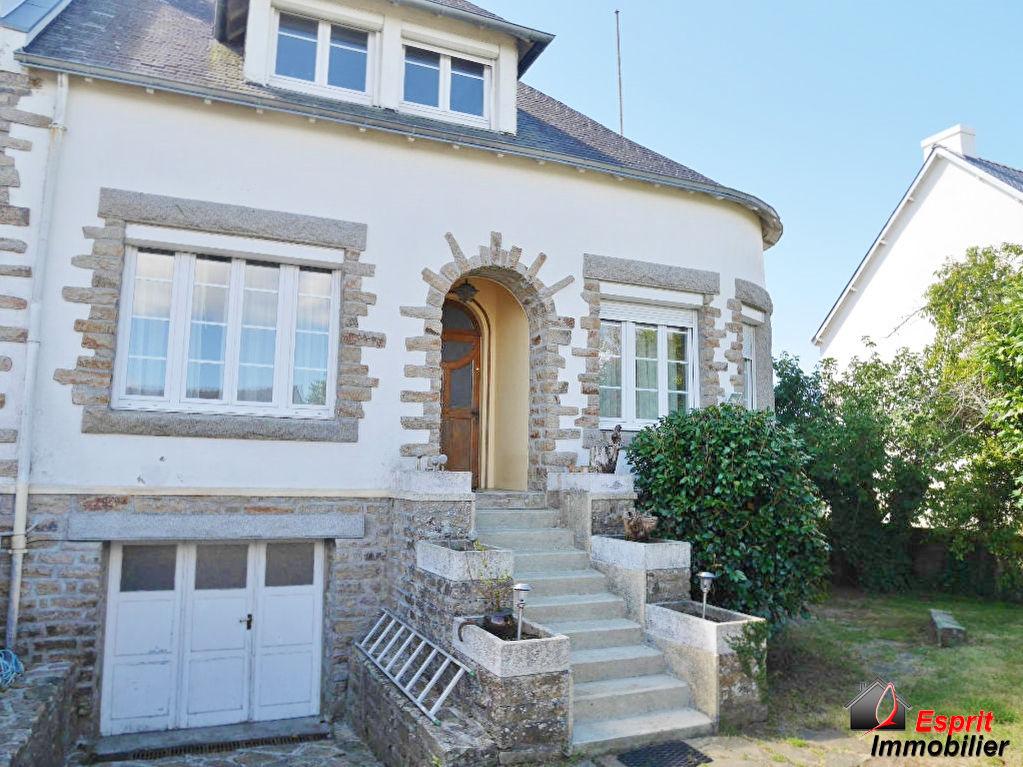 Exclusivité : Maison Trégunc, 3 chambres, 900m² de jardin proche Concarneau 139100€