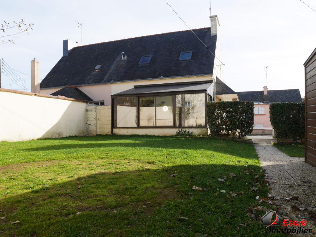 Concarneau, maison rénovée 3 chambres 169070€
