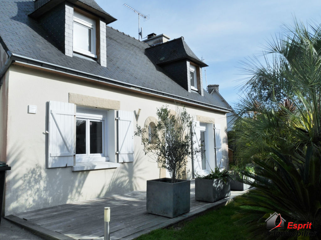 Concarneau, maison 4 chambres non loin des commerces 214000€