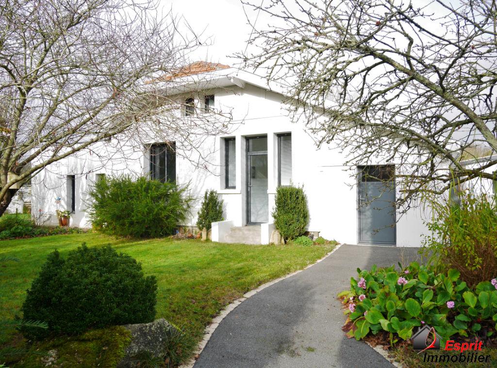 Port Manech Maison de plain-pied entièrement rénovée!