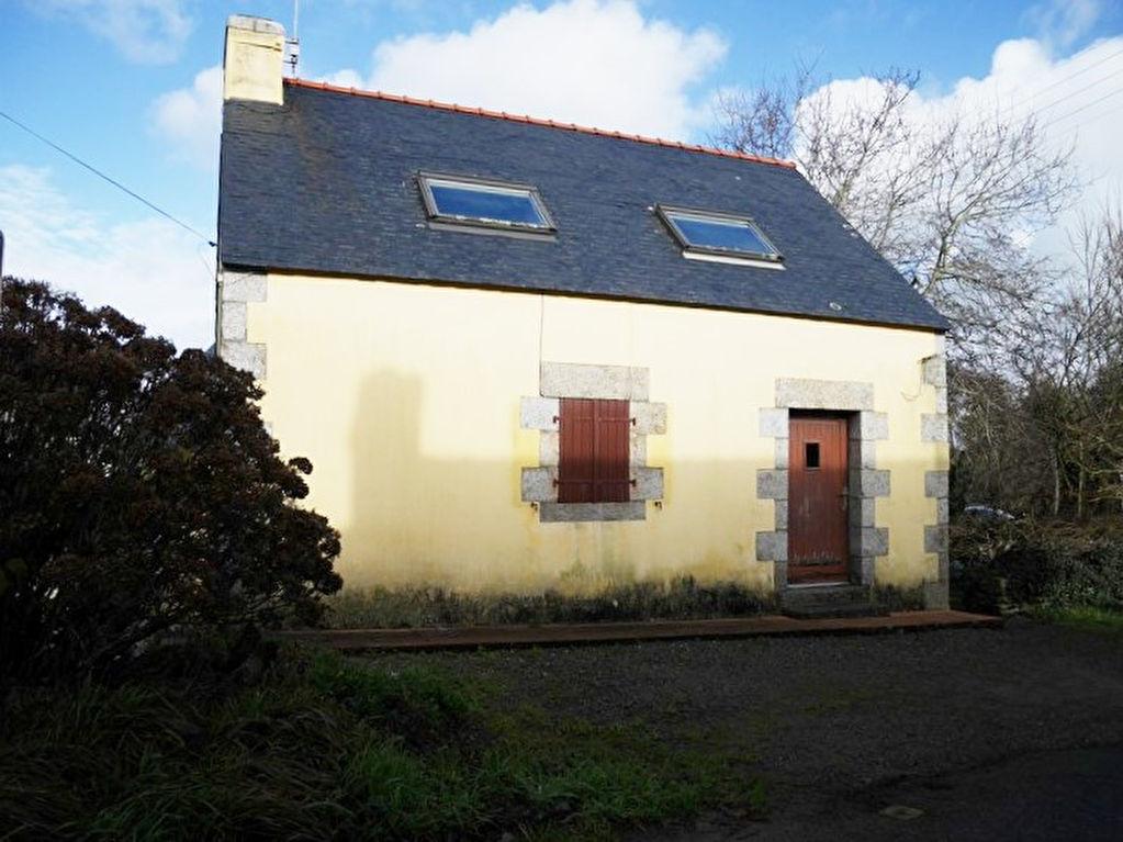 Trégunc ; maison en pierre située entre bourg et mer 77000€