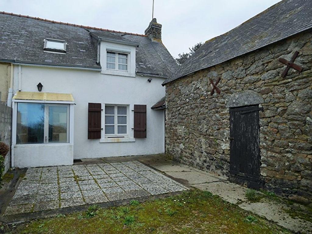 Exclusivité : Maison en pierre à Trégunc, au calme,  sur plus d'un hectare de terrain. 85600€