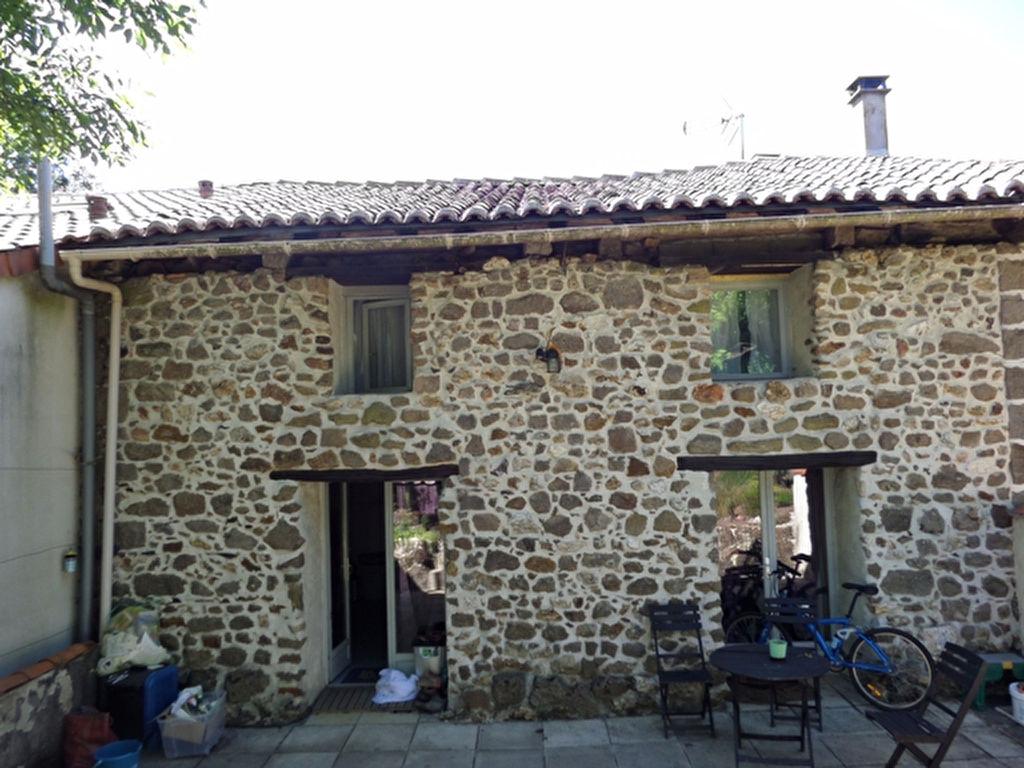 EC0815LC   Maison en pierre de 3 chambres avec jardin clos. Hameau calme