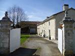Maison en Pierres Apparentes Env. 300m²hab; Entièrement Rénovée; Pièce d'été avec Jacuzzi; Grande Grange; Env.5892m²; Jolie Vue; Terrain à Viabiliser.