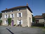 Maison Charentaise; Nombreuses dépendances; 3.8 Hect.;Bordure Rivière; Manège; Jolie Vue.