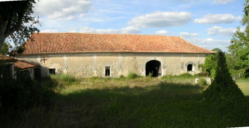 Belle et vaste grange aux portes de la Dordogne