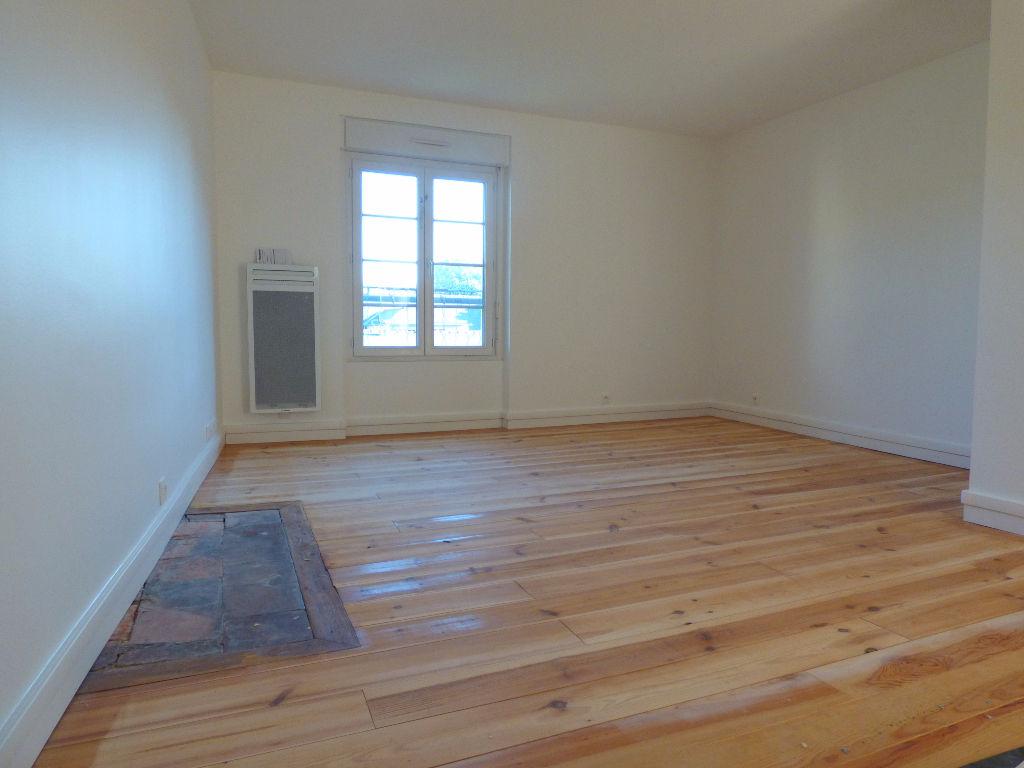 Appartement T1 refait à neuf au Thabor