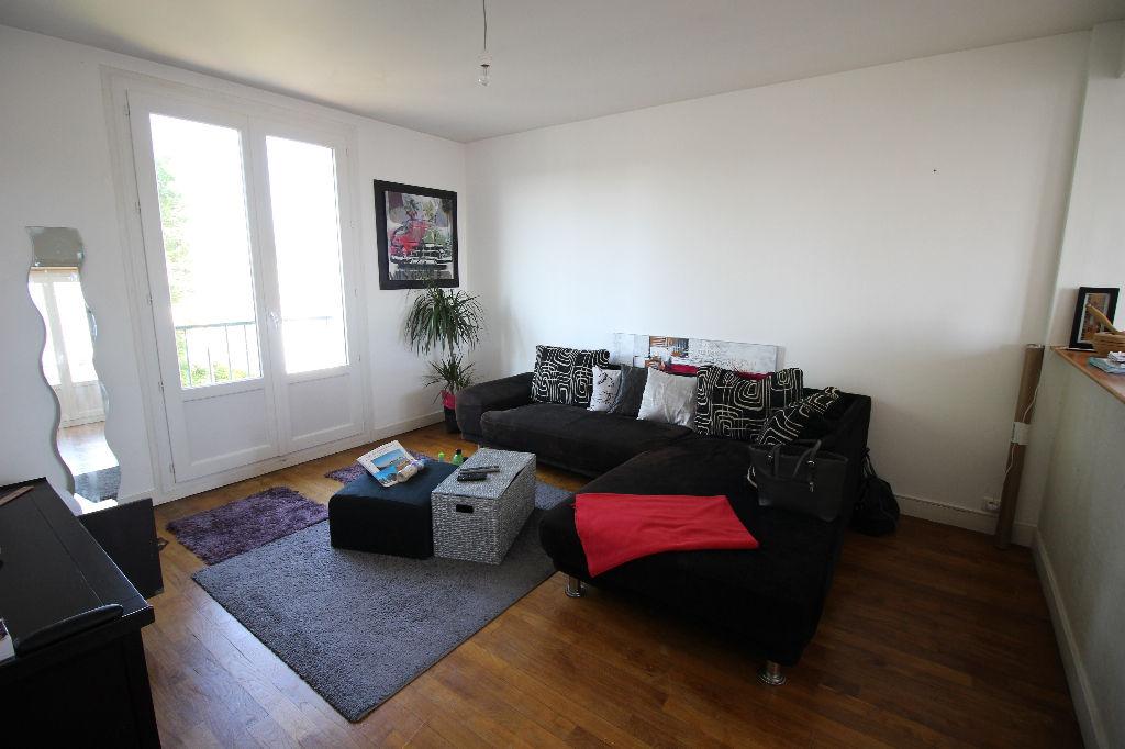 Appartement TYPE 3, 2 chambres, quartier Saint Thérèse.