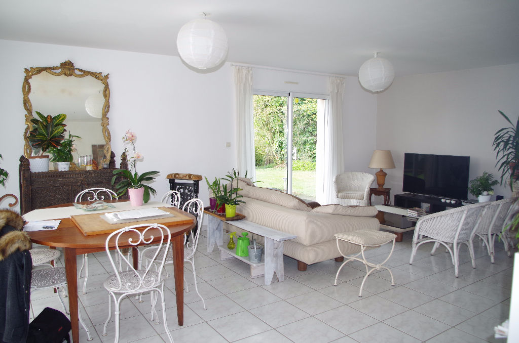 MAISON EN VENDRE LANTIC : CONTEMPORAINE DE 2002 !
