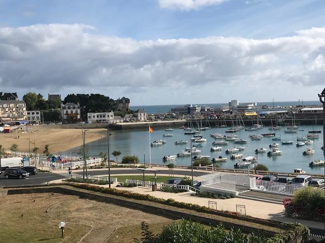 Sur le Port de Saint Quay