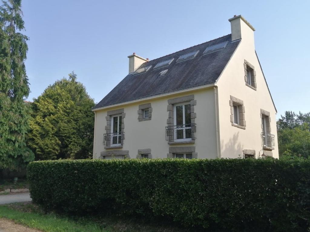 Plescop aux portes de Vannes pour cette grande maison à rénover