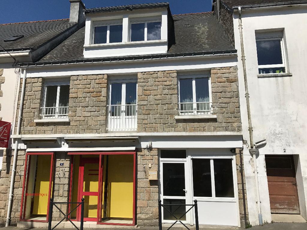 Maison d'habitation bourg Bubry
