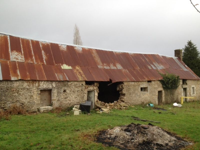 Longére en pierres a rénover à Inzinzac Lochrist 56650