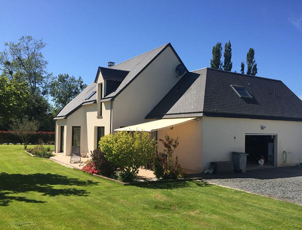 Maison Cerisy La Foret 7 pièce(s) 142 m2 Parfait état