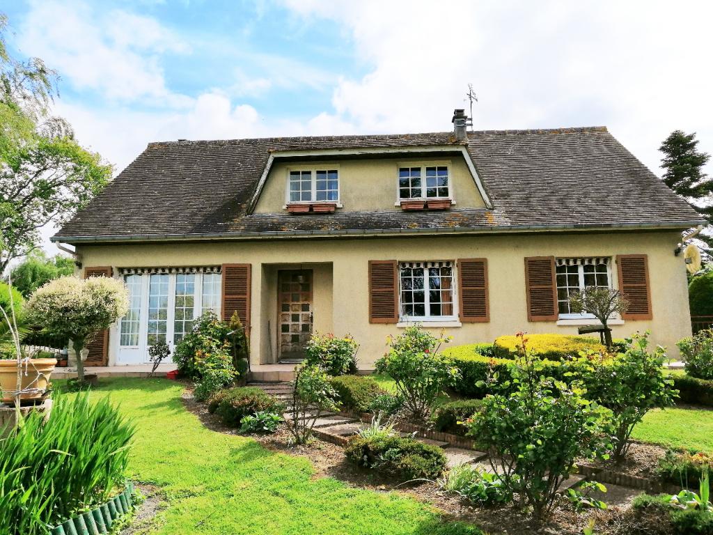 Maison traditionnelle à  Airel  (150 m2 )+ terrain et dépendances
