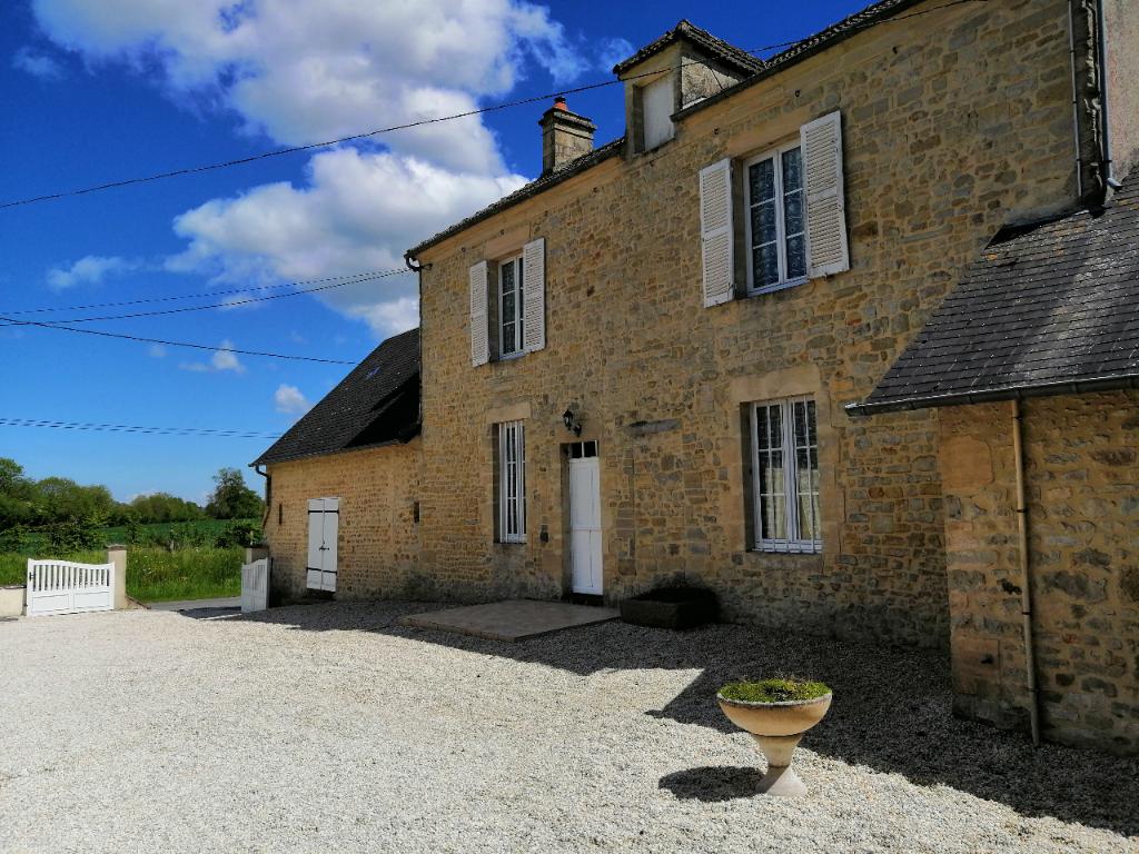 Maison  Proche Bayeux 120 m2 + dépendance +  pré