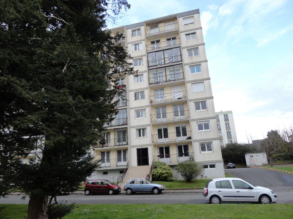 FORESTOU  LE GUELMEUR     T4 80M²  ASCENSEUR