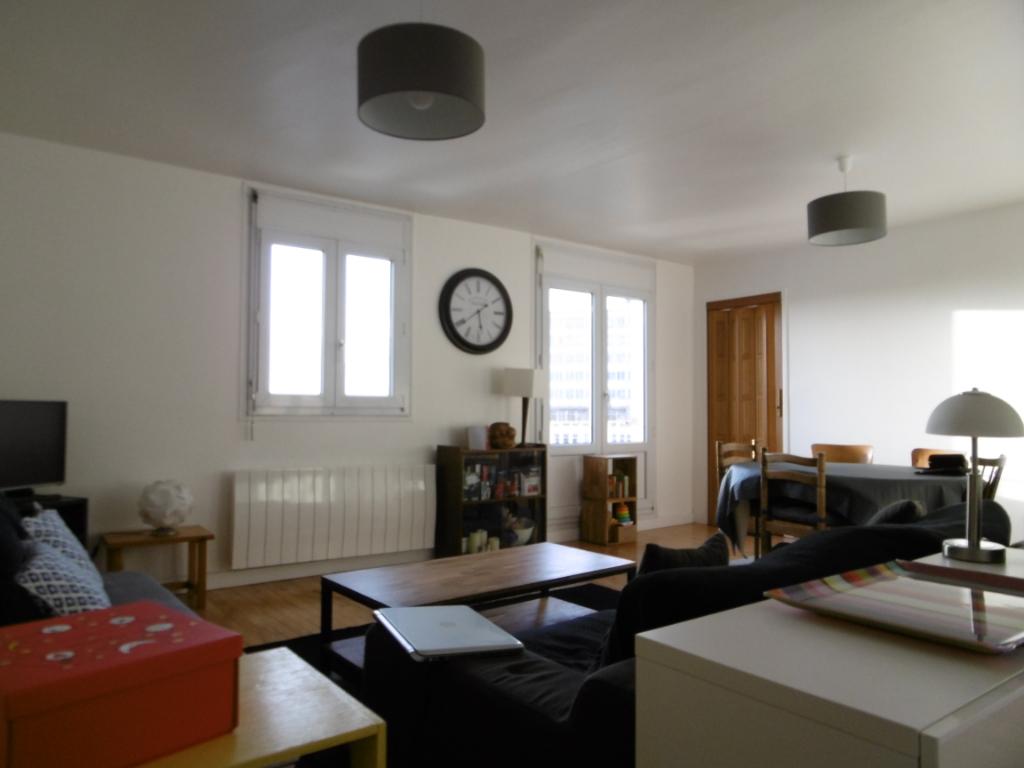 Appartement Brest 4 pièces 67.61 m2 centre-ville vue mer