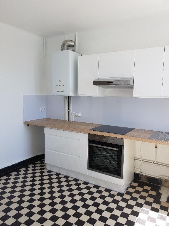 T2/3 ASCENSEUR - PLACE DE LA LIBERTE - 58 m²