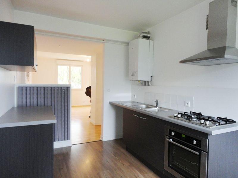 T4 - RUE NATALINI - 66 m² - PARKING PRIVE