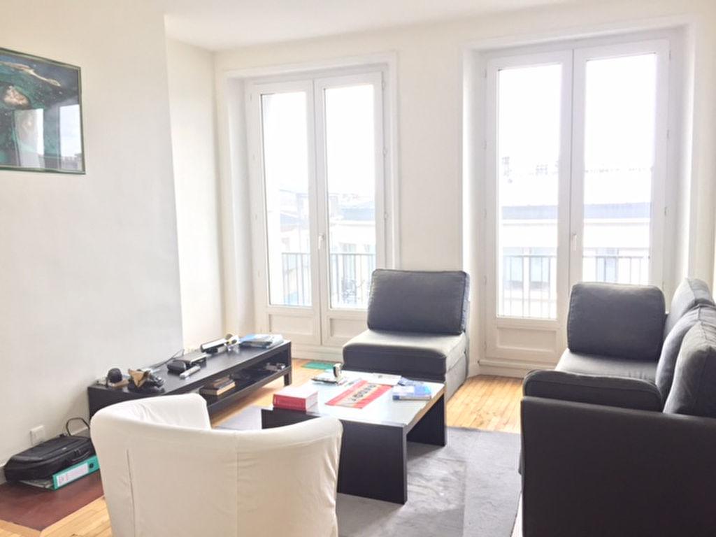 T2 -  RUE DU CHÂTEAU - 58 m2