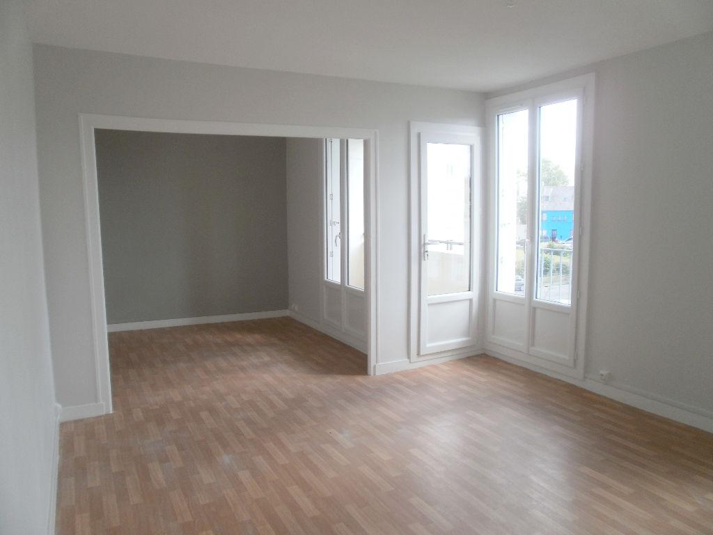 T3 AVEC ASCENSEUR - RUE PAUL FORT-  62 m2