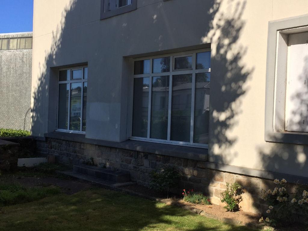 BD MONTAIGNE - LOCAL PRO/COMMERCIAL - 74 m2