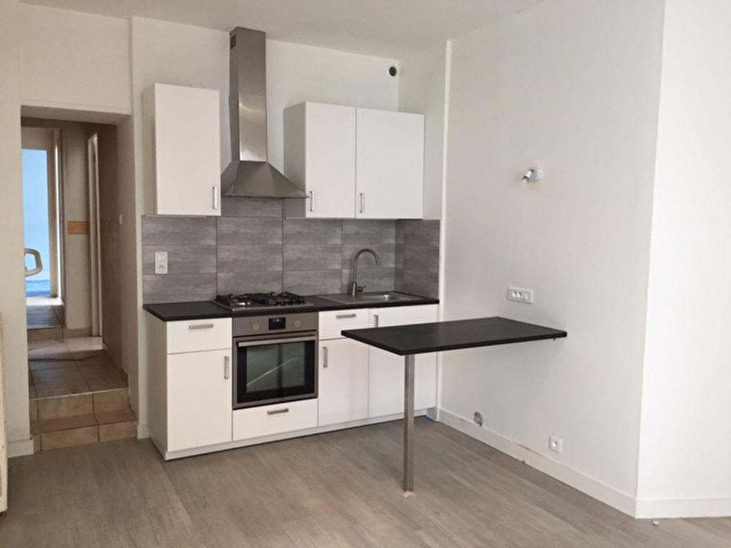 T2/T3 - RUE BUGEAUD - SAINT MARTIN - 43.84 m²
