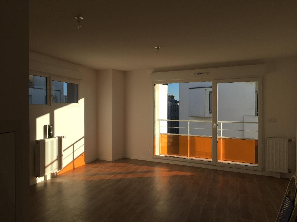 T2 PARKING - RUE ALBERT ROUSSEL - 45.99 m²
