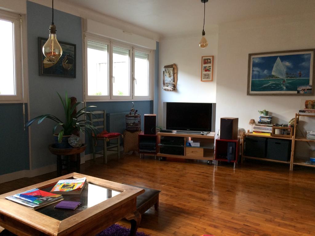 T3 - RUE DU CHATEAU - 67 m²
