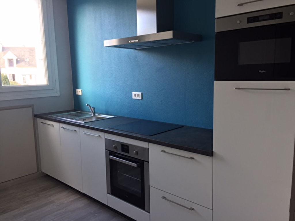 T4 - RUE VICTOR EUZEN - ST PIERRE - 76.84 m²