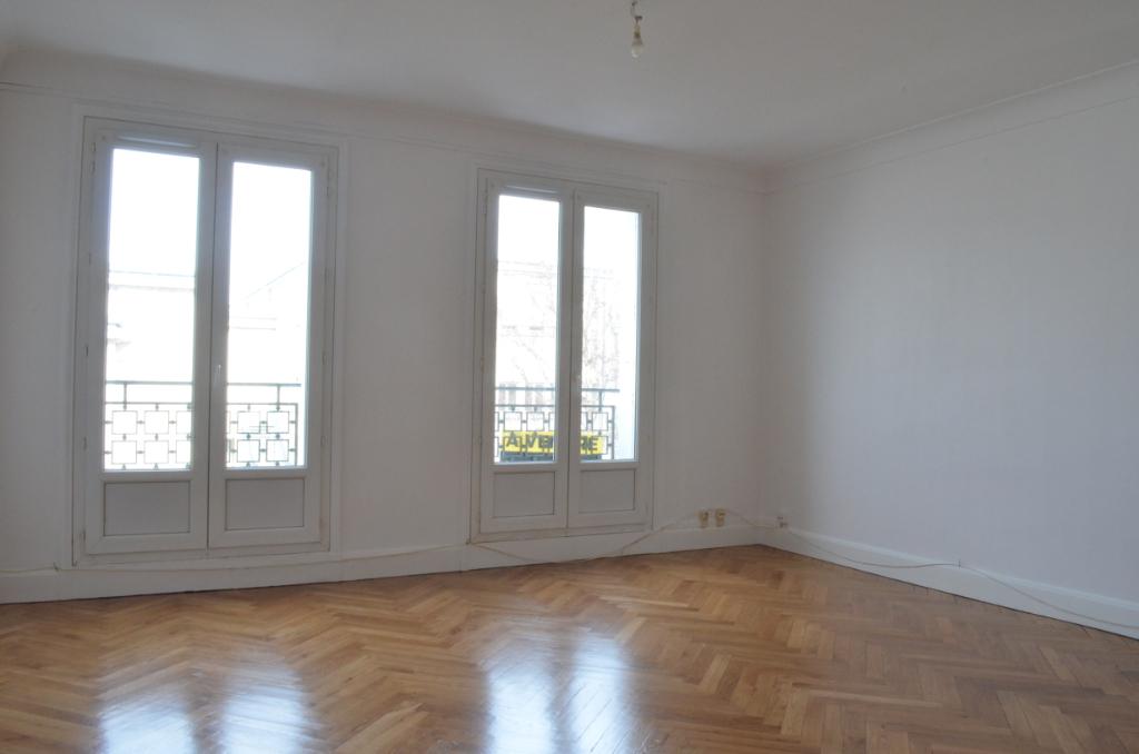 T5 ASCENSEUR - 25 RUE DU CHATEAU - 110 m2