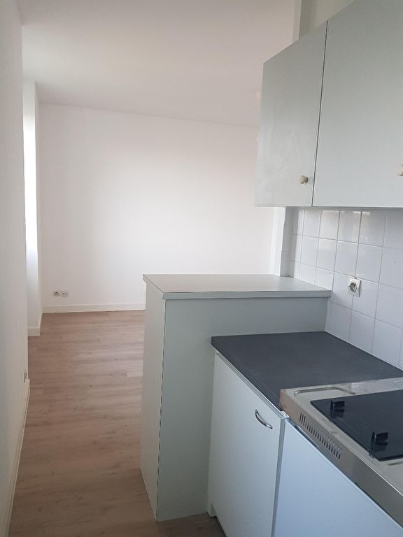 T1 BIS - AVENUE DE KERBONNE - 40.84 m2