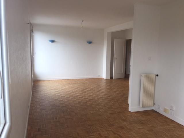 T4 - RUE DU BOUGUEN - 70 m2