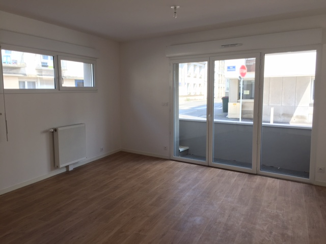 T2 PARKING - RUE ANATOLE FRANCE - 43.41 m²