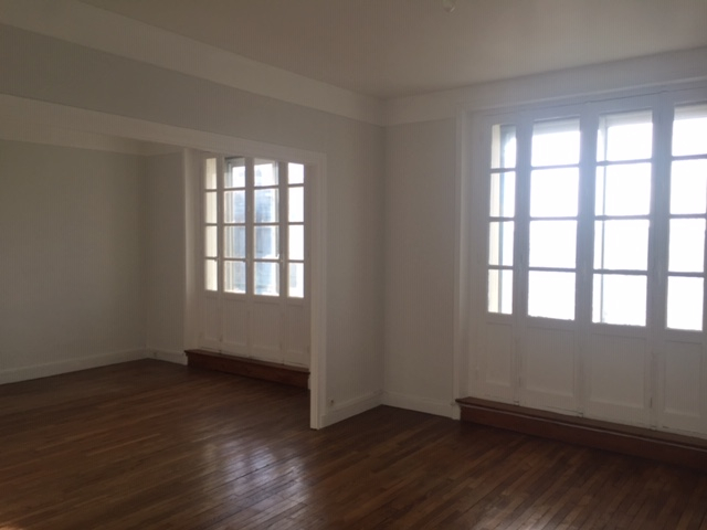 T5 ASCENSEUR - RUE AIGUILLON - 92.56 m2