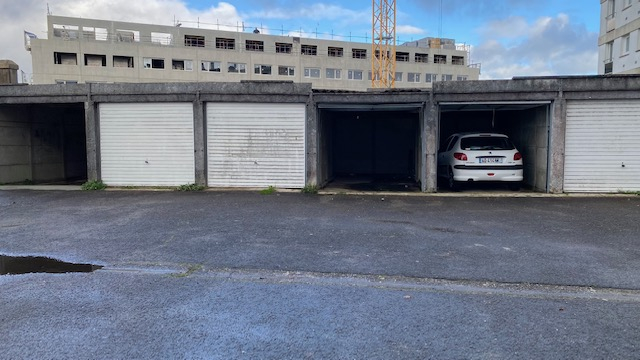 LOT DE 3 GARAGES - SAINT MARTIN