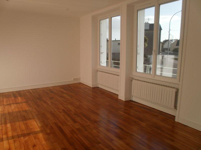 Maison T5/6 - LE RELECQ KERHUON - 100 m²