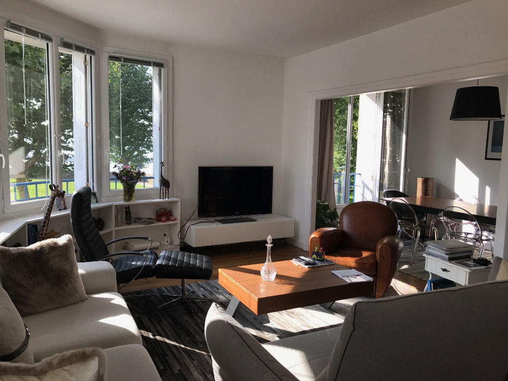 T5 ASCENSEUR - COURS DAJOT - RUE DE DENVER -110 m²