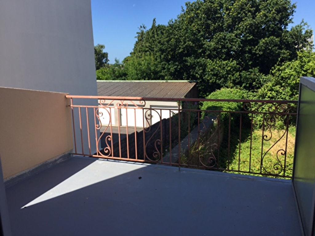 STUDIO -  RUE ROBESPIERRE - 18 m2