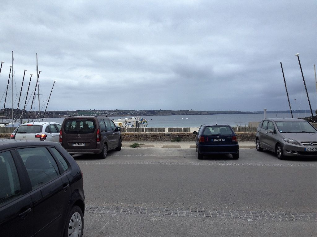 A VENDRE COMMERCE DE DETAIL STATION BALNEAIRE NORD FINISTERE EMPLACEMENT N°1 FACE MER
