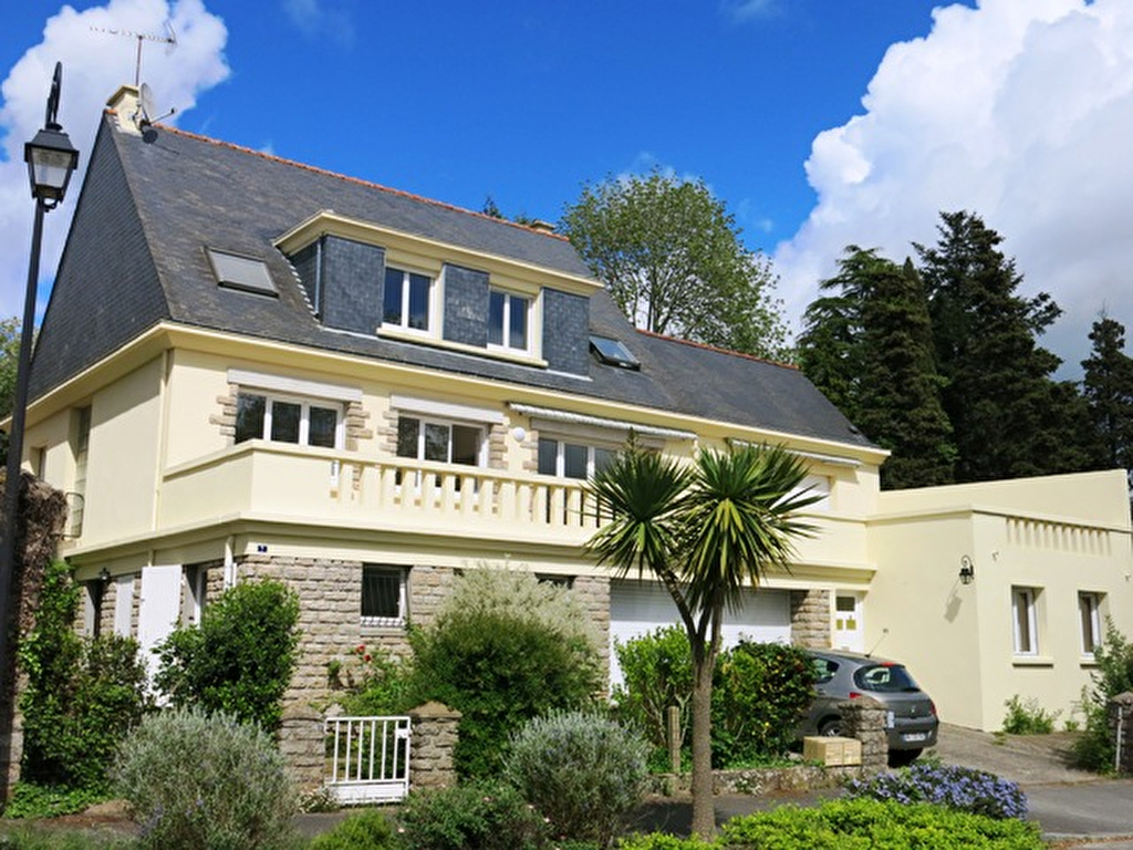 Maison de 250 m² habitables, 7 chambres A VENDRE 56130 La Roche Bernard à proximité immédiate du centre-ville et des commerces