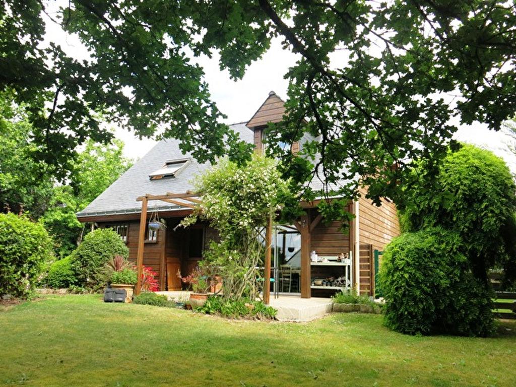 Entre HERBIGNAC et LA CHAPELLE DES MARAIS Maison en bois à vendre 5 pièces sur un terrain de 1332 m²