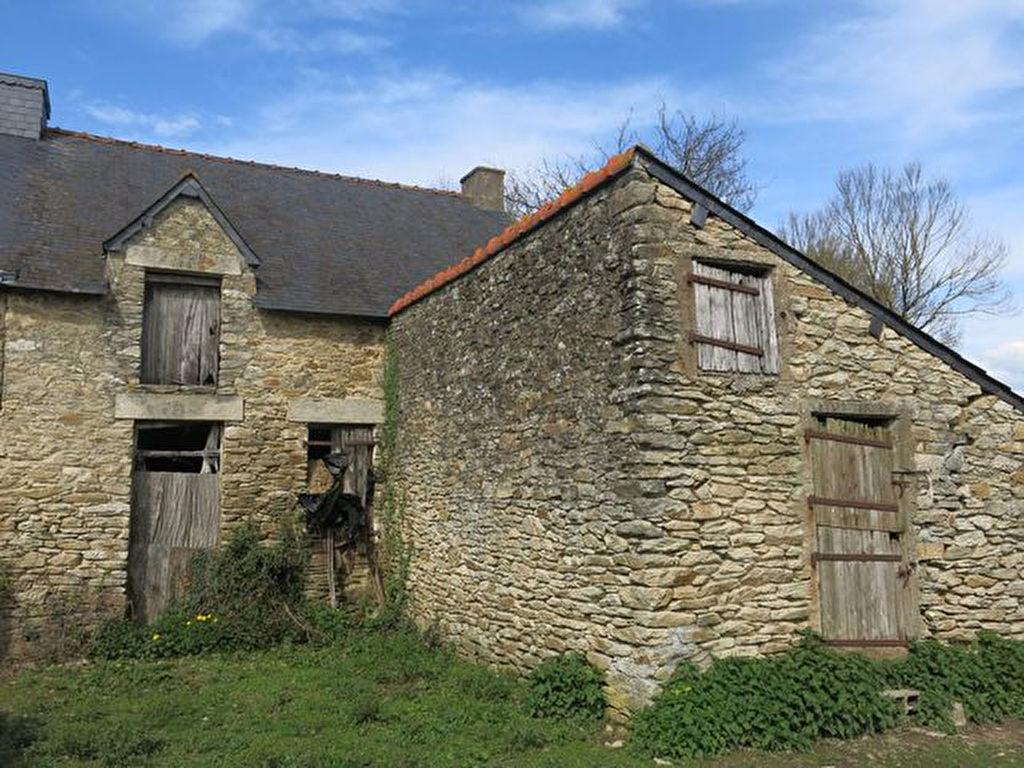 Bâtiment en pierres à restaurer sur 559 m² de terrain à Férel commune en Morbihan sud