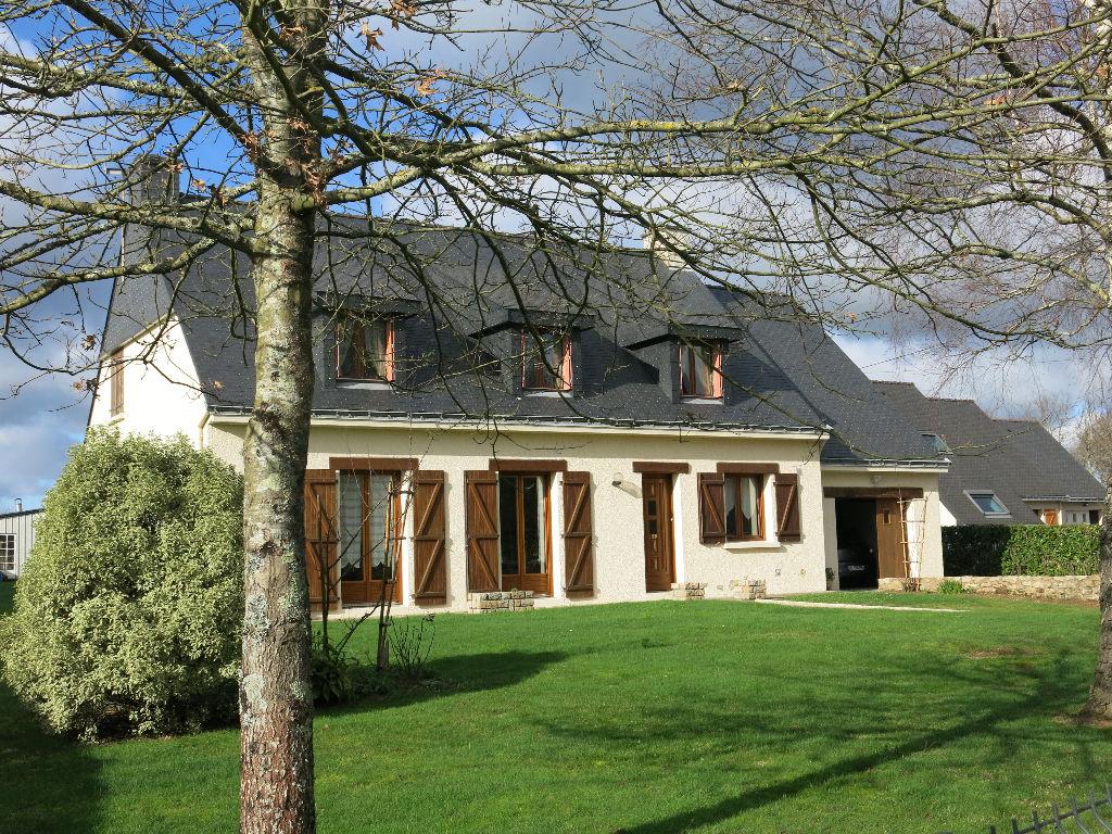 Bretagne sud, Férel maison proche commerces 140 m² habitables