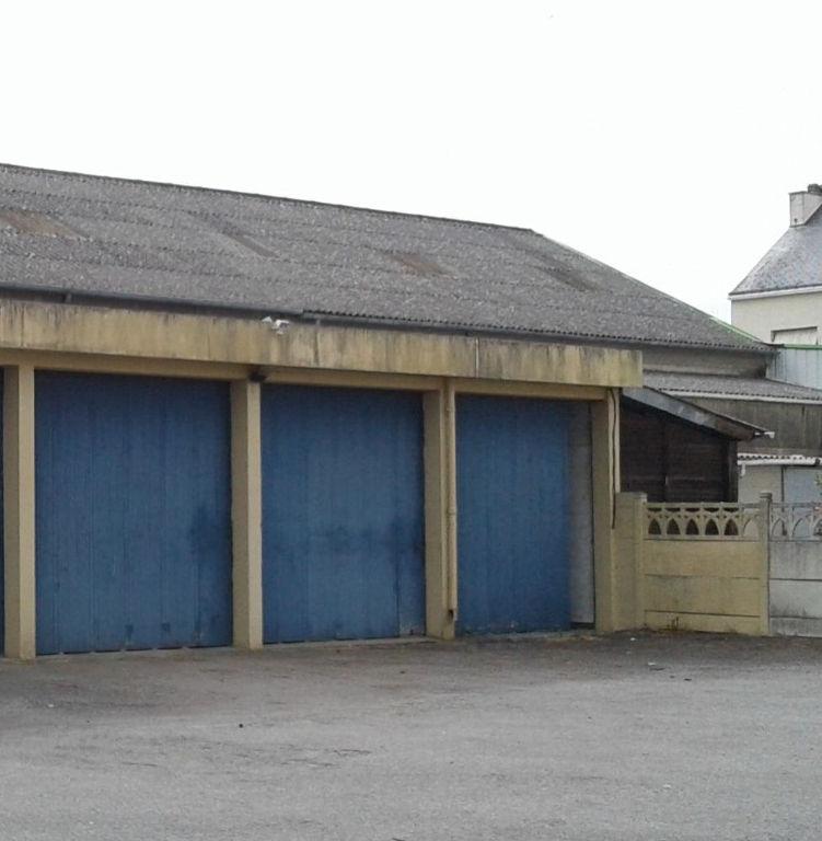 LA ROCHE BERNARD - NIVILLAC , GARAGES,