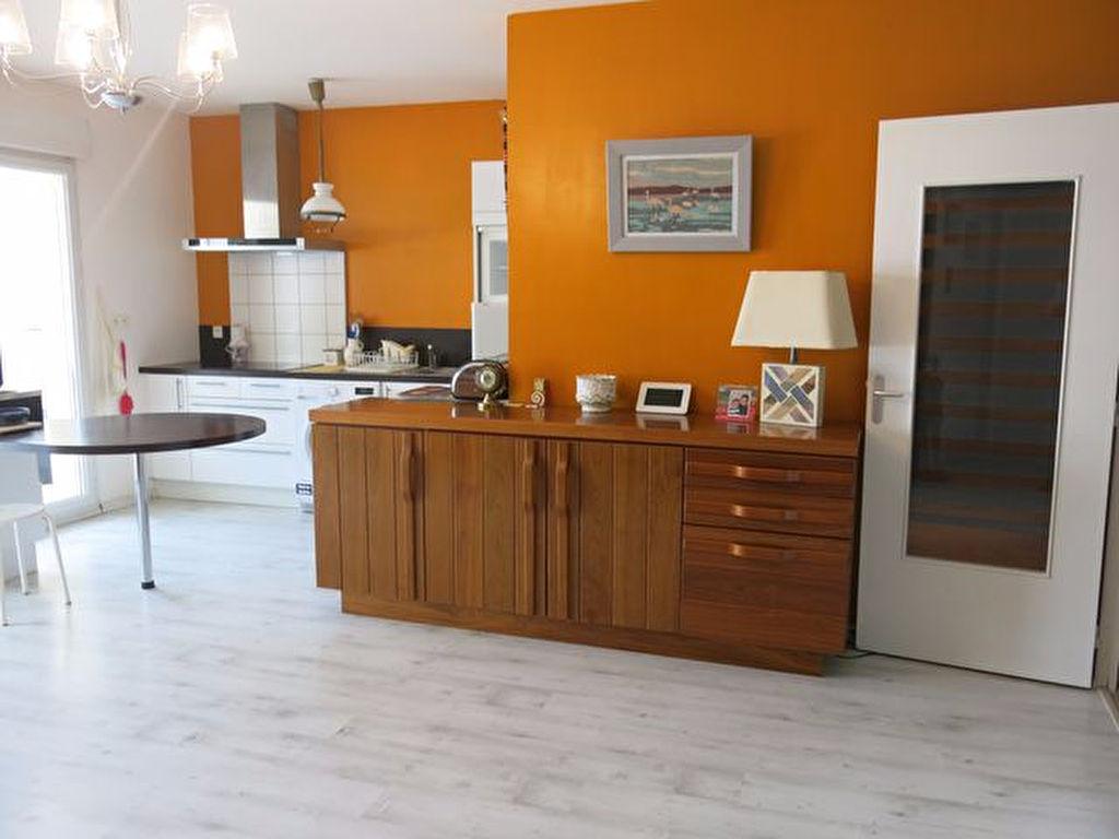 Appartement en rez de jardin de 61 m² avec terrasse a vendre proche commerces de Pénestin 56760