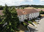 Location bureau équipé 12 M² avec parkings sur Feucherolles proche St Nom la Bretèche. Loyer mensuel toutes charges comprises: 240 euros HT