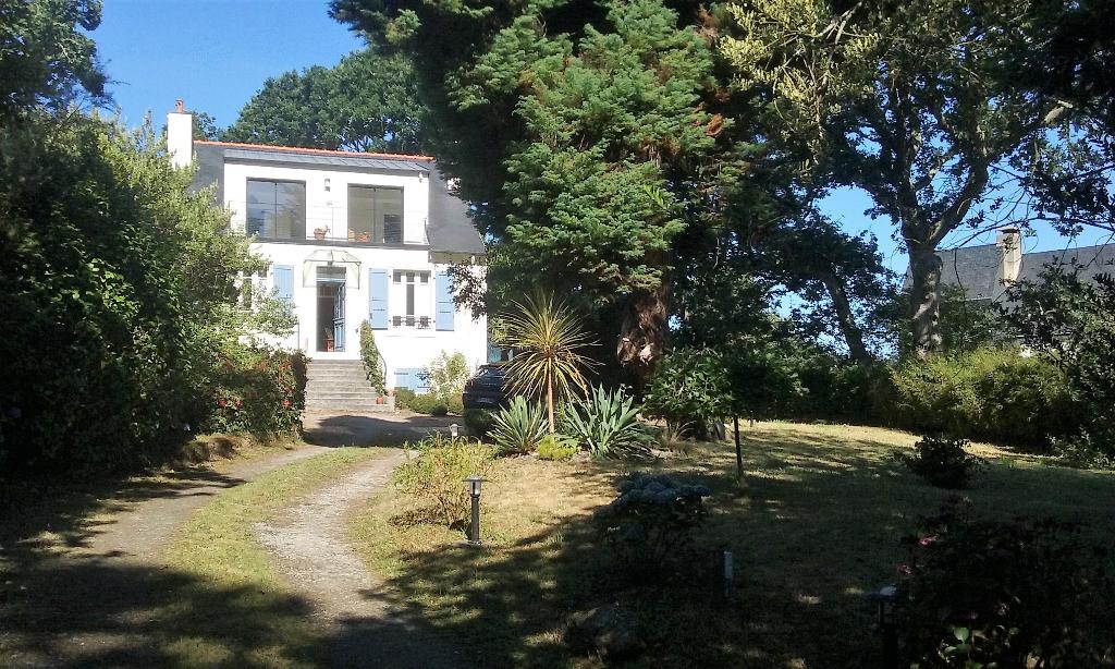 Le Trez-Hir : Villa de 1929 avec parc arboré de 1900 m²